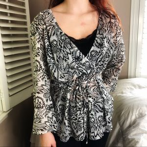 4 LEFT S-XL Spring CHIC Black & White Floral Top